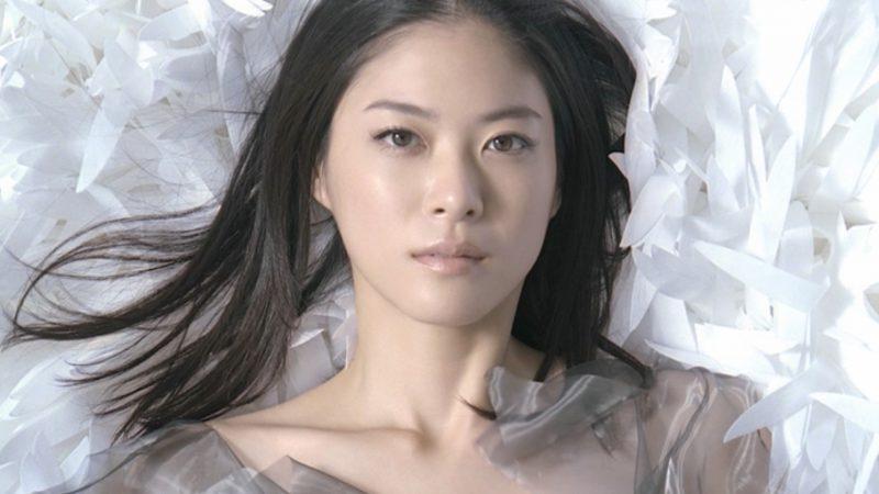 Shiseido – HAKU 2011